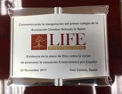 Placa Conmemorativa Inauguración LIFE International School en Tres Cantos (Madrid)